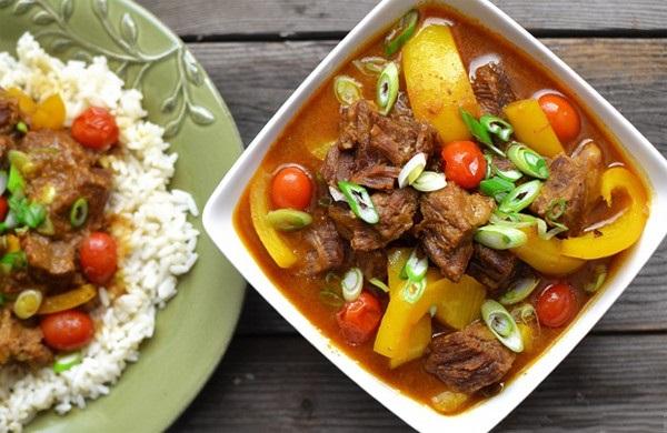 Cách nấu cà ri bò đơn giản dễ làm tại nhà